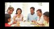 famiglia a pranzo